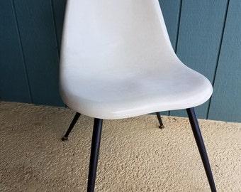 Vintage Mid Century Chromcraft Fiberglass Shell Chair