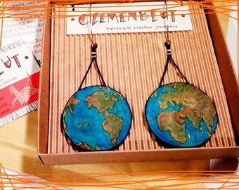Earth globe leather earrings, handpainted earrings, globe jewelry, leather jewellery, dangle earrings, world map, traveller, travel lovers