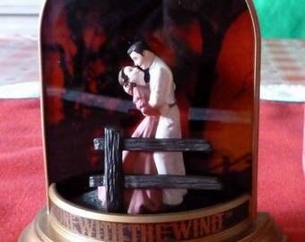 "RARE Gone with the Wind Scarlett and Rhett ""Farewell Scene"" Hallmark Lighted Christmas Ornament"