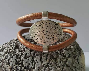 Copper coloured leather bracelet
