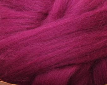 Dyed Corriedale Natural Spinning Fiber Wool Top Roving / 1oz - Damson