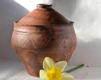 Medium-size ceramic pot with a lid Ceramic Lidded Container