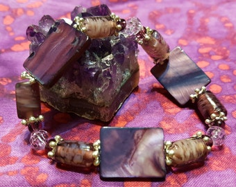 Genuine Dyed Purple Mother of Pearl Stretchy Bracelet