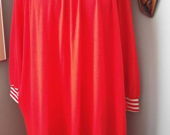 Vintage bright red and striped jersey knit robe / housecoat / loungewear / cover up / 1970/ XXL / turtle neck / cowl / cozy /fireside