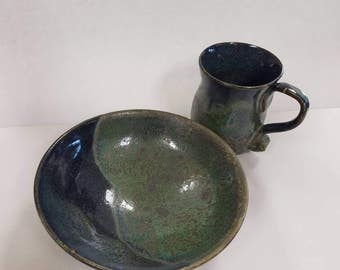 Bowl and mug matching set