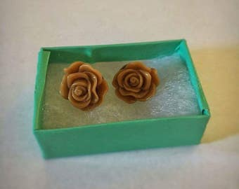 Mocha Brown Rose Earrings