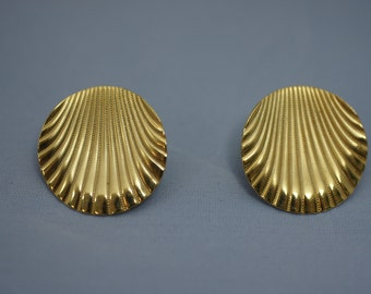 Gold Tone Round Shell Shaped Pierced Earrings