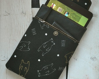 Tablet case, mini i-pad in black leather and vegan Japanese fabric with gold-colored bears.