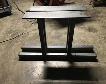 """Steel """"T"""" legs"""