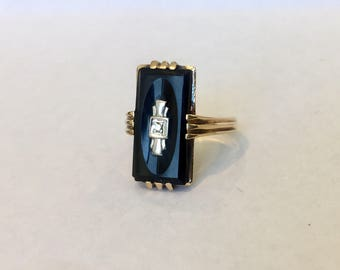 Vintage Art Deco 10 K Yellow Gold Onyx and Diamond Ring