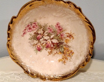 BEAUTIFUL Crooksville China Serving Bowl - Antique White - Gold (like) Trim with Flower Pattern - Vintage