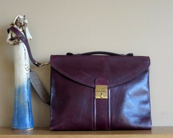 Spring Sale Beautiful Burgundy Leather Vintage Messenger Bag With Original Key - VGC