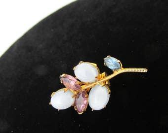 Beautiful Small Vintage 3 leaf Brooch