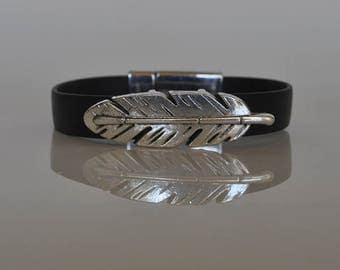 Feather bracelet magnetic clasp and flat