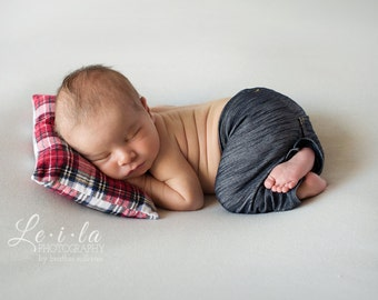 Newborn Posing Pillows, Newborn Christmas Posing Pillow, Photo Prop, Newborn Props, Newborn Pillow, Christmas Photography Prop
