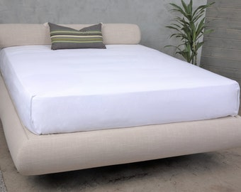 LUNA – upholstered bed frame for Queen/King/Full/Twin beds. Exceedingly cushioned in an elegant crescent shape.