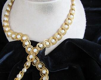 Vintage Goldtone & Faux Pearl Chain Necklace