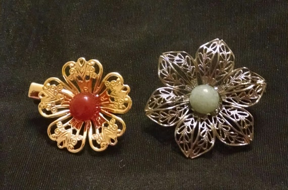 ASIAN BLOSSOMS exquisite set of two tichel clips made with natural stones, scarf clips, hair clips, hair jewelry