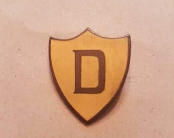 Vintage yellow enamel prefect initial D badge pin brooch