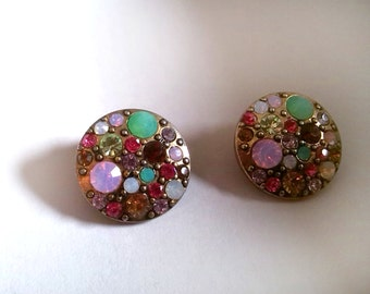 Round Gold Tone Earring With Colored Rhinestones / Runder goldfarbener Ohrring, bunte Strasssteine / Colorful Stones, Pins, Shiny, Golden