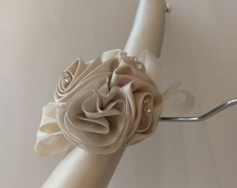 Bridal Padded Hanger, Bridal Gown Hanger,  Covered Decorative Hanger, Satin Hanger, Hanger for Brides Gown, Lace Hanger, Brides Hanger