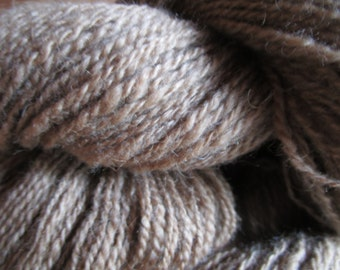 "Wool spun at the spinning-wheel ""Baby Camel"" 474 m / 104g (lot)"