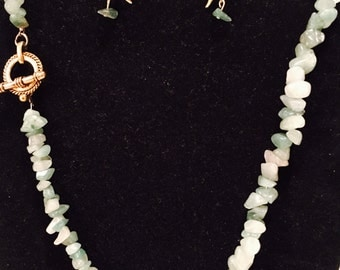 Necklace and earrings of Jade