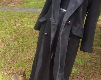 Vintage Wool Long Sleeves Coat W/ Wooden Buttons