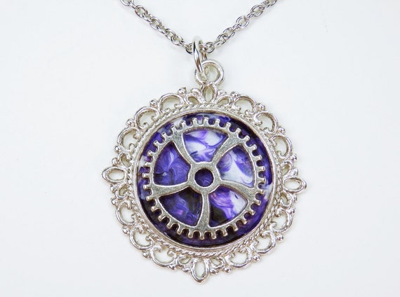 Necklace gear in purple on silver-colored link chain made of stainless steel steampunk jewelry gears pendant with unique gear white purple