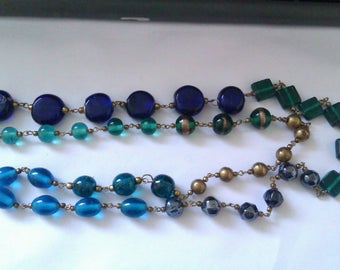 vintage long blue and green glass bead necklace