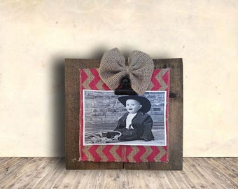 Photo Frame Sign - Nursery Sign - Clothes Pin Picture Frame with Burlap Bow - Nursery Decor - Gift Idea for Him or Her