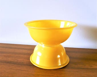 Pyrex Primary Yellow Clear Bottom Nesting Bowls, Yellow Pyrex 322 and 323 Mixing Bowls