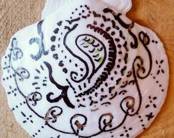 Mehndi Inspired Scallop Shell