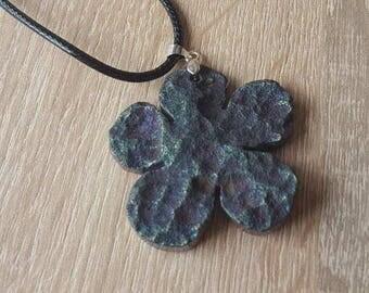 Handmade flower developed titanium titanium agate flower pendant
