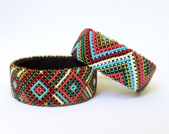 African Zulu beaded large bangle – Gold/blue/red/pink