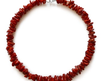 Coral necklace, natural, red, chips, 10x7mm-15x8x4mm