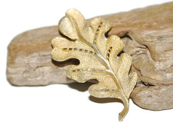 Oak Leaf Brooch, Nature Inspired Jewelry, Leaf Pin, Gold Leaf Pin, Rustic Jewelry, Gift for Her, Woodland Accessories, Gift for Teacher