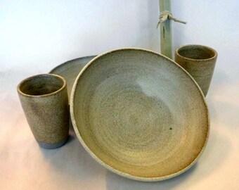 2 - set pasta plates / cups