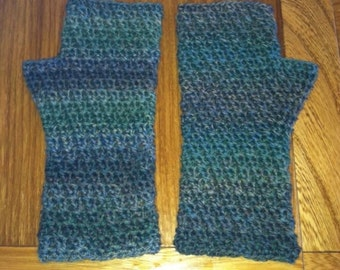 Staggered Cross Stitch Mitts