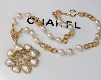 Chanel vintage Pearl Necklace
