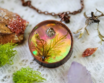 Real moss necklace, Iridescent necklace, romantic boho jewelry, Iridescent jewelry, real flower necklace, botanical jewelry, gift for her,
