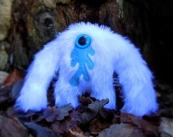Plush monster kawaii cute soft toy white Muji Mountain Cyclops Yeti