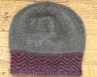 100% qiviut toque - natural & red Chvron pattern