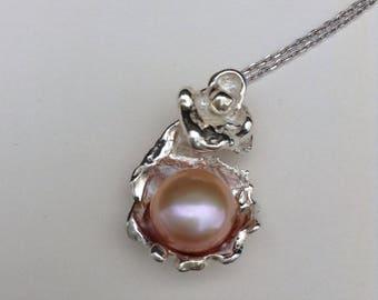 Water cast blush pearl pendant