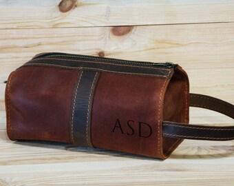 Personalized Leather Cosmetic Bag, Mens travel case, Toiletry Bag, Dopp Kit, Mens Wash Bag, , Shaving Dopp Kit, Groomsman gift, brown