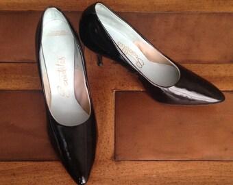 SALE* 1960s Shiny Black High Heel Shoes, Vintage Socialites, faux Patent Leather, Size 8 Medium