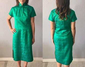 1960's/70's Oriental Vintage Cheongsam Green Embroidered Midi Dress