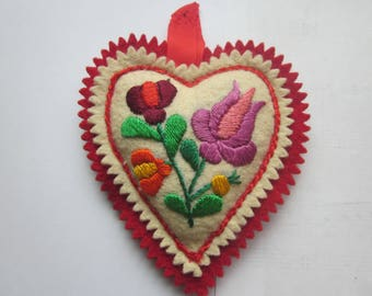 Vintage Hungarian Embroidery Flower Heart