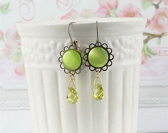 Olive Green Drop Earrings, Green Vintage Style Earrings, Everyday Wear Crystal Earrings, Bridesmaids gifts, Green Wedding