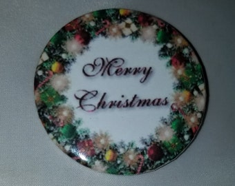 Merry Christmas Wreath - Button Pin - S-C10010
